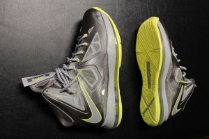 Nike-LeBron-X-Canary-Diamond-02